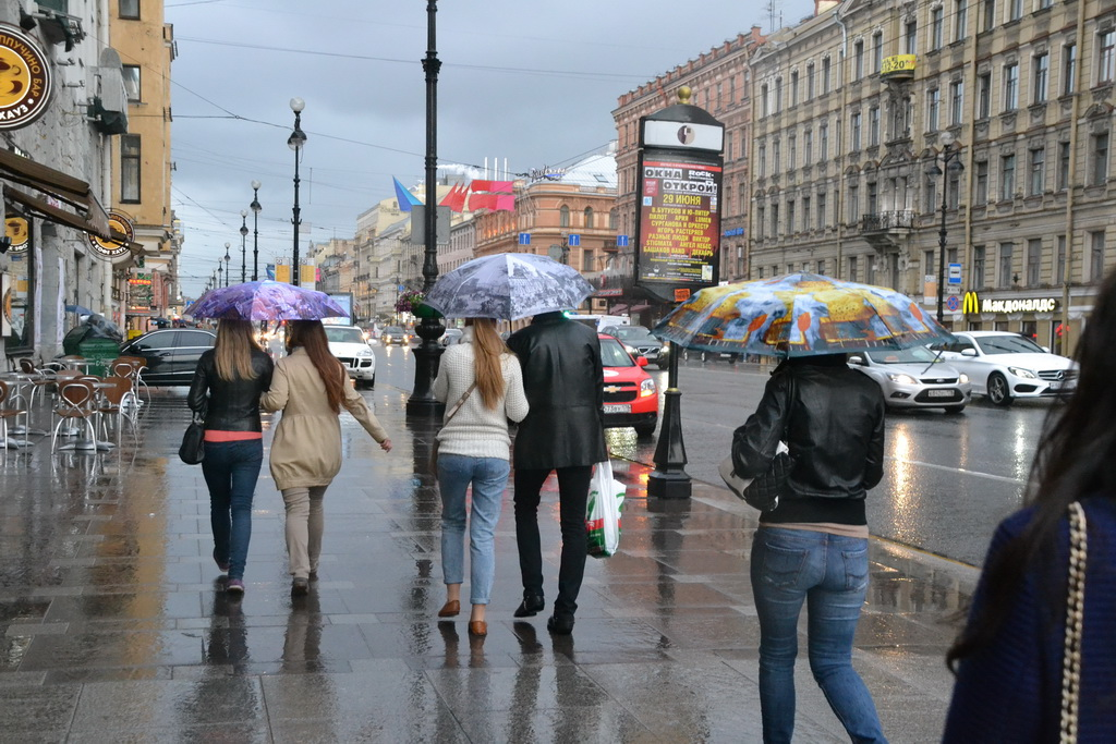 in St. Petersburg is very cloudy and rainy