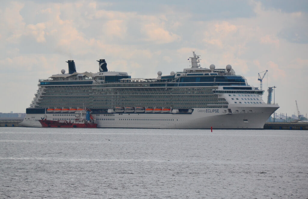 Shore Excursions And Disembarkation Rules In St Petersburg Russia - St petersburg tours for cruise ship passengers