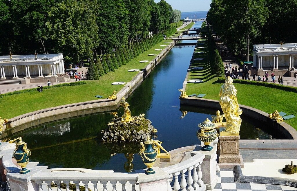 Peterhof To Shut Down Fountains On October 15