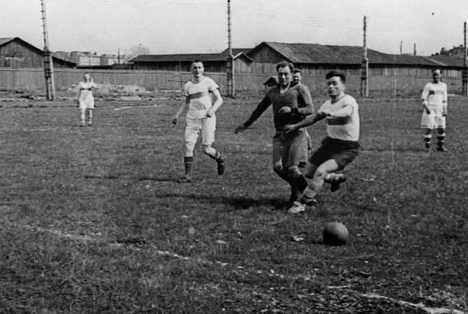 Football match under bombs in the besieged Leningrad