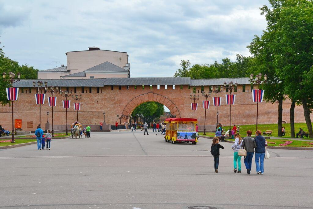 The gates to the Veliky Novgorod Kremlin